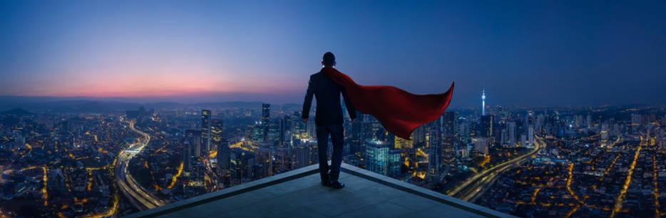 super hero sur un toit